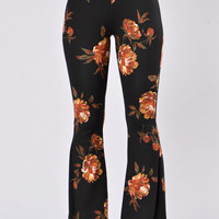 Feeling Your Vibes Pants - Floral Black
