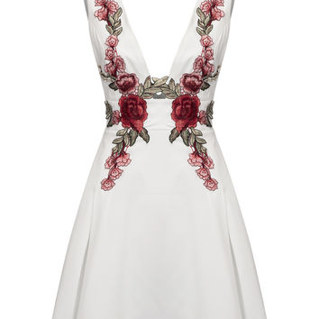 White Deep V-neck Embroidered Detail Open Back Dress