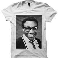 CHILDISH GAMBINO T-SHIRT DONALD GLOVER YEAR BOOK PHOTO CELEBRITY SHIRTS CHILDISH GAMBINO CONCERT TICKETS BIRTHDAY GIFTS CHRISTMAS GIFTS