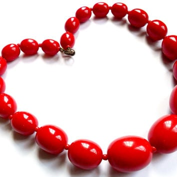 Vintage Cherry Red Lucite Necklace Graduated Size Chunky Bead 1950s 1960s Style Pin Up Retro Rockabilly