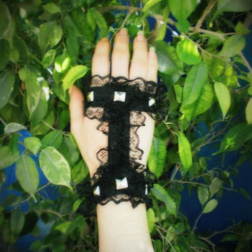 SDP woman Fingerless cage glove studded lace elastic accessories bracelet wrist gothic victorian alternative cuff black
