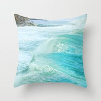 Big waves. Vintage Throw Pillow by Guido Montañés
