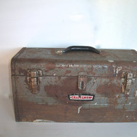 Vintage Craftsman Tool Box Rusty Distressed NO TRAY INSIDE Green Functional Measures 18  X 9 X 8 And I/4 Inches