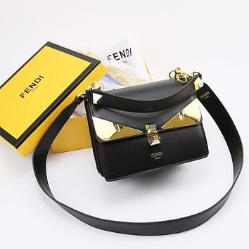 FENDI WOMEN'S KAN I LEATHER CHAIN SHOULDER BAG