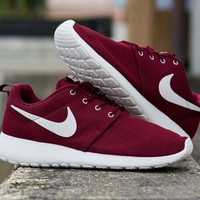 ISO ISO maroon/burgundy/peach/mint nike roshe run