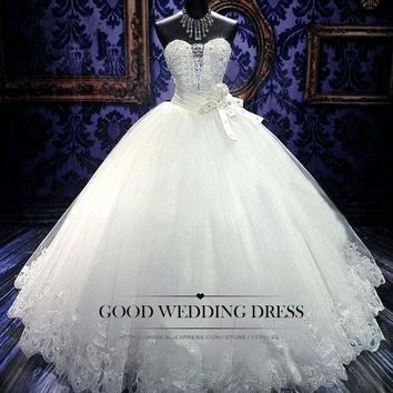 Custom-made Sexy Tube Top Royal Lace up Ball Gown Wedding Dress 2015 Luxucy Wedding Gown Bridal Gown Vestido De Noiva HS29