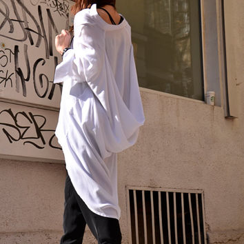 NEW COLLECTION White Loose Extravagant Shirt / Asymmetric shirt / Oversize Summer Top by AAKASHA