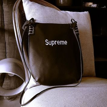 Supreme Beauty  Storage Bags One Shoulder Messenger Bags Embroidery Classics File Packet Tote Bag Backpack Make-up Bag [429892632612]