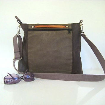 Waxed Canvas Zipper Closure Messenger Bag / Pouch Water Resistant Multiple Pockets Medium Stone Brown
