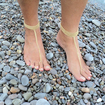 Gold Crochet Barefoot Sandals in a Tbar Design, Wedding Sandals,Foot Jewelry,Toe Ring, Nude Shoes.