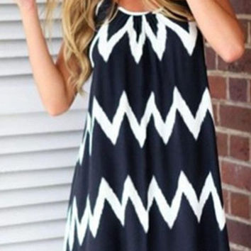 Bold Chevron Print Backless Shift Dress