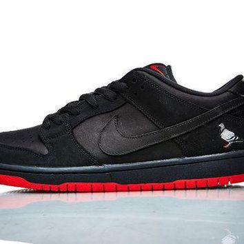DCC3W NIKE SB DUNK LOW BLACK PIGEON