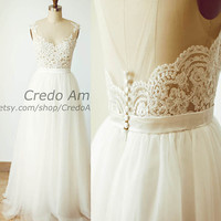 Sexy Sheer Illusion Backless Deep V Back Lace Tulle Beach Wedding Dress Bridal Gown