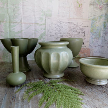 Instant Collection Vintage Floraline McCoy Haeger Matte Green Pottery
