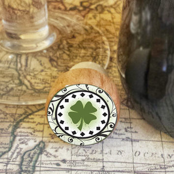 Wine Stopper, Decorative Four Leaf Clover Handmade Wood Cork, St. Patrick's Day, Shamrock, Celtic Bottle Stopper, Irish Wood Top Stopper
