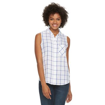 Juniors' SO® Sleeveless Button-Down Top
