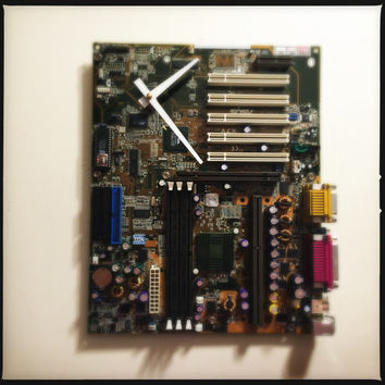 Motherboard Wall Clock Steampunk Computer Clock Nerd Clock Unique Clock Kitchen Clock Circuit Board Clock Recycled Computer Parts Wall Clock