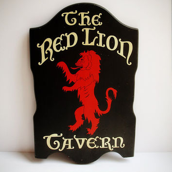 Vintage Red Lion Tavern Wooden Sign / Wall Plaque / Bar Sign / Pub Sign / Wall Art for Restaurant, Rec Room, Man Cave, Etc.