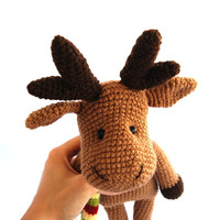 reindeer, crocheted amigurumi brown christmas reindeer, stuffed animal autumn colours, chocolate brown yellow, dark brown, gift for children