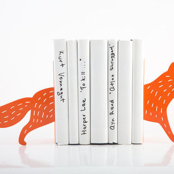 Bookends - Reading Fox - laser cut for precision these metal bookends will hold your favorite books
