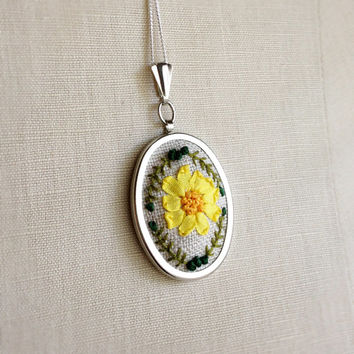 Silk Ribbon Embroidery Embroidered Necklace Yellow Gerbera Flower Daisy Necklace