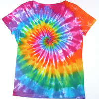 Tie Dye Shirt/ Women's Large Scoopneck/ Classic Rainbow Spiral