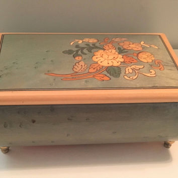 Italian Musical Jewelry Box, Plays Sound of Music, Julie Andrews, Music Box, Swiss Musical Movement, Veneer Wood, Floral Design, Home Decor