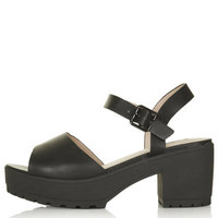 HATTY Cleated Sandals - Black
