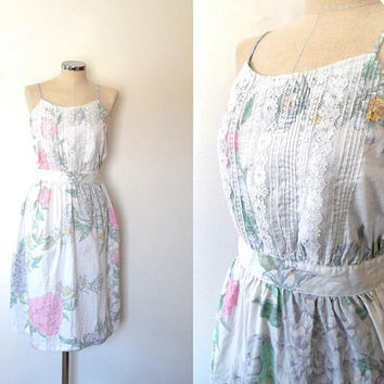 Pretty vintage pastil floral lace dress / white / pink / blue / green / rose print / vintage / 1950 style / button up / cotton summer dress