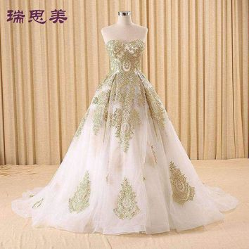 ICIKON3 100%real golden embroidery white Medieval Renaissance gown princess dresses ball gown Victoria dress/Marie Antoinette/Belle Ball