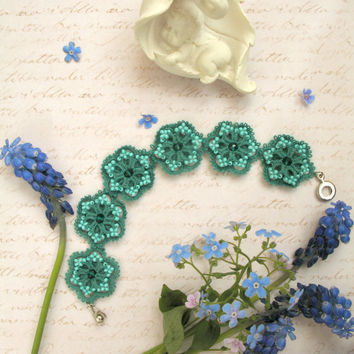 Woven & Braided Bracelets Esmeralda Lace bracelet Gift for woman Beaded bracelet Emerald tatting bracelet Tatted bangle Tatting jewelry