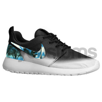 finest selection e80f4 f1270 Nike Roshe Run Black White Gradient Palm Trees Womens
