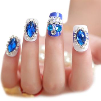 24Pcs Rhinestone False Nails Tips Bride Nail Art Display Finger Patches Manicure Design Fake Nail Christmas Nail Sticker
