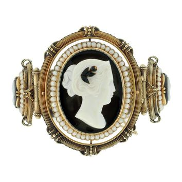 Victorian Hard Stone Cameo & Natural Pearl Gold Bracelet