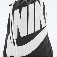 Nike Hert Graphic Black Gym Sack - Urban Outfitters