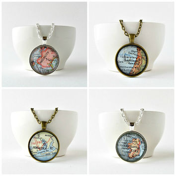 Custom Map Necklace / Vintage Map Pendant / Christmas Gifts for Mom /Long Distance Girlfriend Gift / Stocking Stuffers / Gifts for Friends