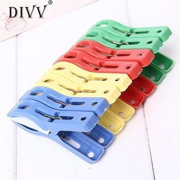 Zero Set of 8 Beach Towel Clips in Fun Bright Prevents Towels Blowing Away