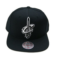 Mitchell & Ness Cleveland Cavaliers Tonal White on Black Snapback