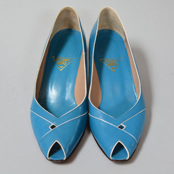 Vintage 80s Jacques Vert Peep Toe Pumps - Blue and White Eighties Heels Leather Soles SIze 9.5
