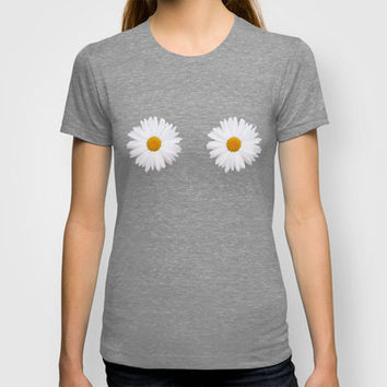 oh daisy  T-shirt by Sara Eshak | Society6