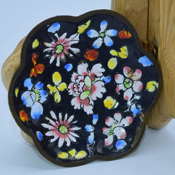 Black Floral Butter Pat Plate Vintage Flowers Salt Dish Green Underside China Pin Tray Vanity Dresser Miniature Collectible