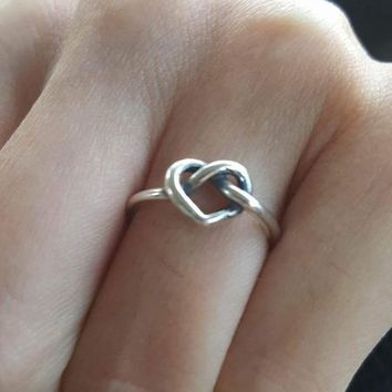Delicate Heart Knot Ring | James Avery