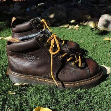Dr Martens / size US 7 / 7.5 UK 5 / made in England Authentic / vintage Doc Martens