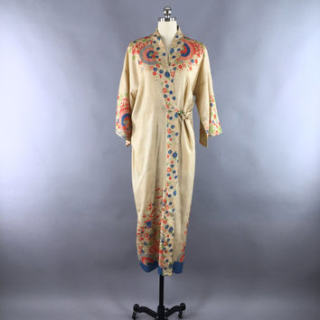 Vintage 1920s Silk Robe / Silk Kimono Robe / 1920 Dressing Gown / 20s Art Deco Lingerie Boudoir Wrapper / Raw Silk Umbrellas Floral Print
