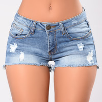 Classic Shorts - Medium Wash