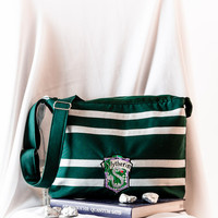 Harry Potter Crossbody Shoulder Bag With Zipper - Gryffindor, Slytherin, Ravenclaw, Hufflepuff