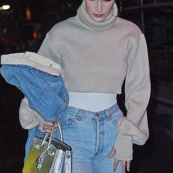 Cropped  Knitted Turtleneck Pullover