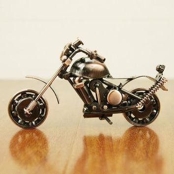 2017 Creative scooter Metal Crafts DIY motorcycle Craft For Friend Birthday Best Gift Home Decoration Accessories Table Figurine