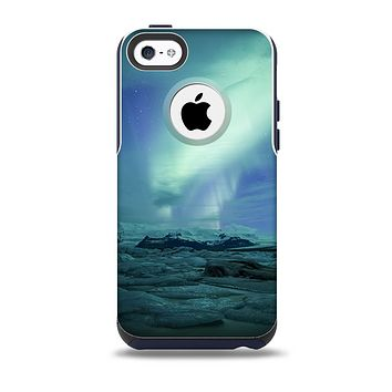 The Glowing Northern Lights Skin for the iPhone 5c OtterBox Commuter Case
