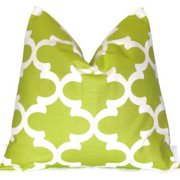 Lime Green Pillow Cover.Throw Pillows.ONE pillow cover.Fynn Quatrefoil.Cushion Cover.Decorator Pillow.18x18 inch.Moroccan ALL SIZES 46 cm